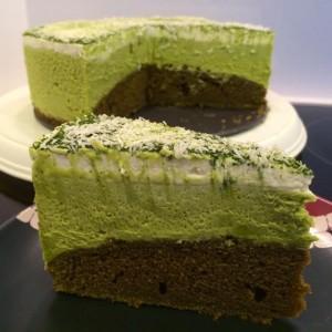 Matcha White Chocolate Mousse Cake